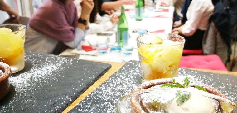 salle et dessert du restaurant un r de famille genève