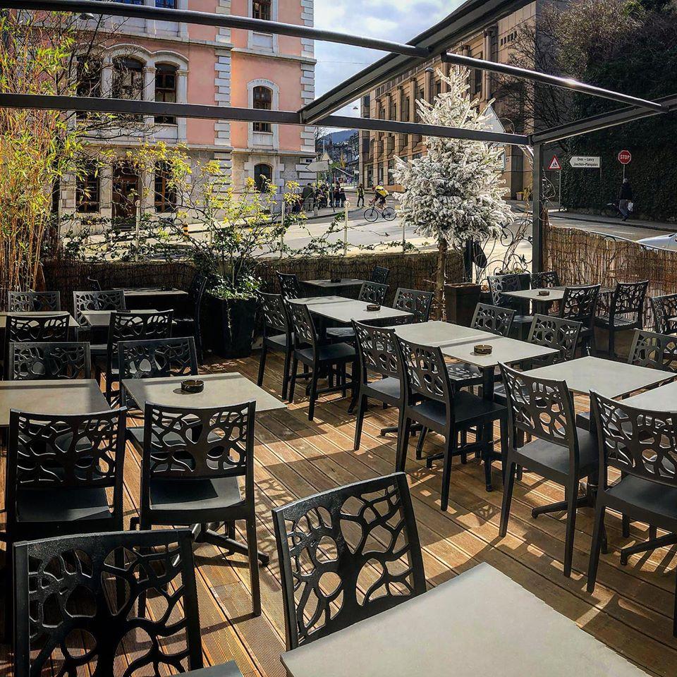 grande terrasse au véranda café genève