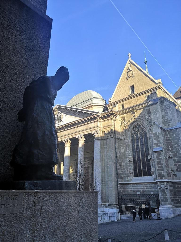 statue jérémie cour saint pierre