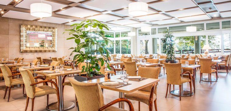 salle du restaurant colladon parc