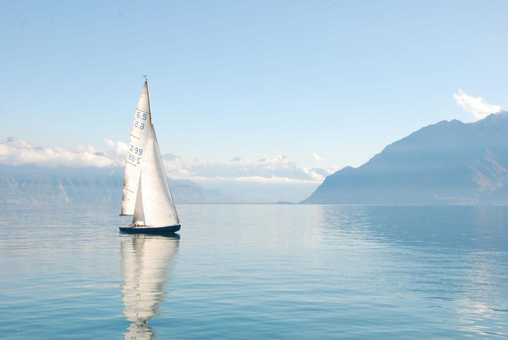 bateau sur le lac leman
