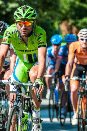 cyclistes en course