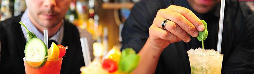 barmen à l'apothicaire cocktail club geneve