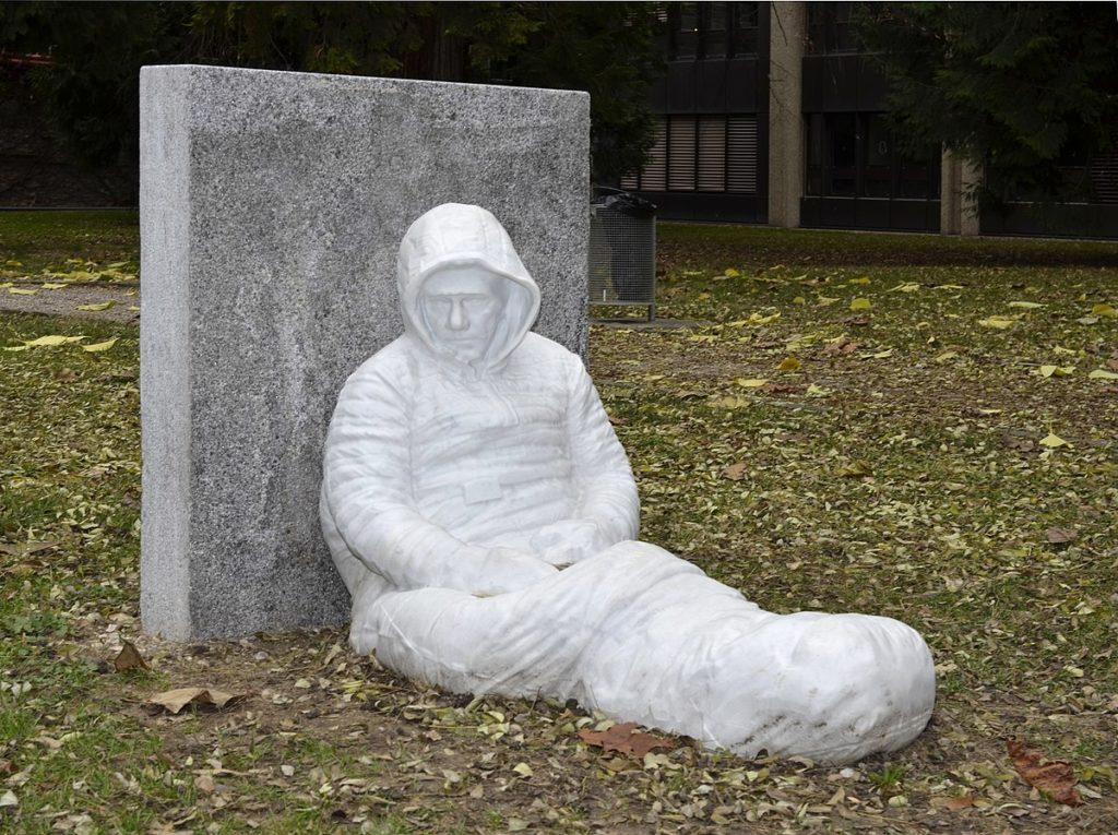 autoportrait au cimetière des rois
