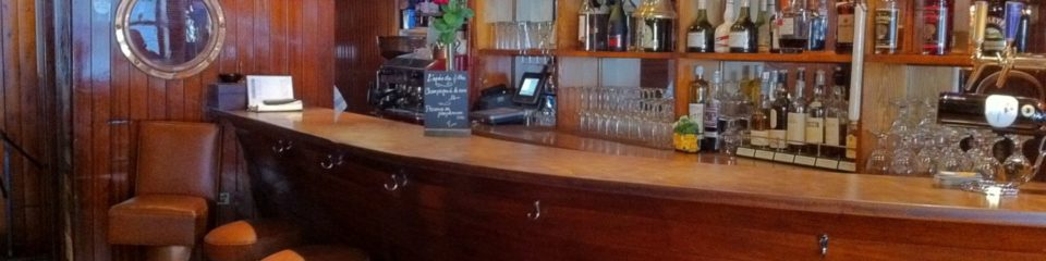 new navy bar