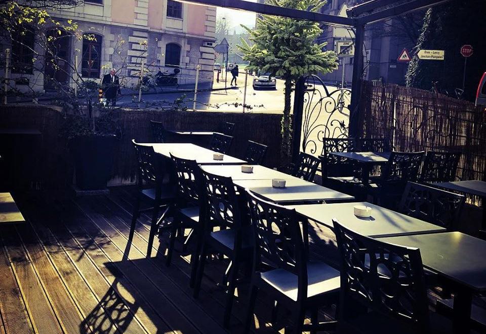 terrasse du véranda café