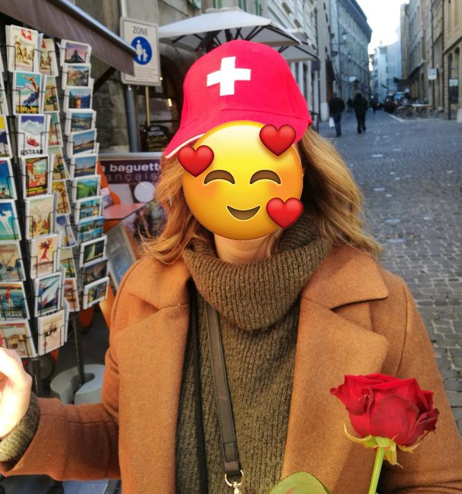 fleur et drapeau suisse
