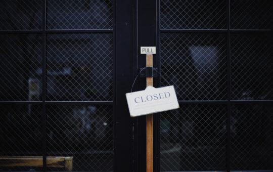 closed confinement